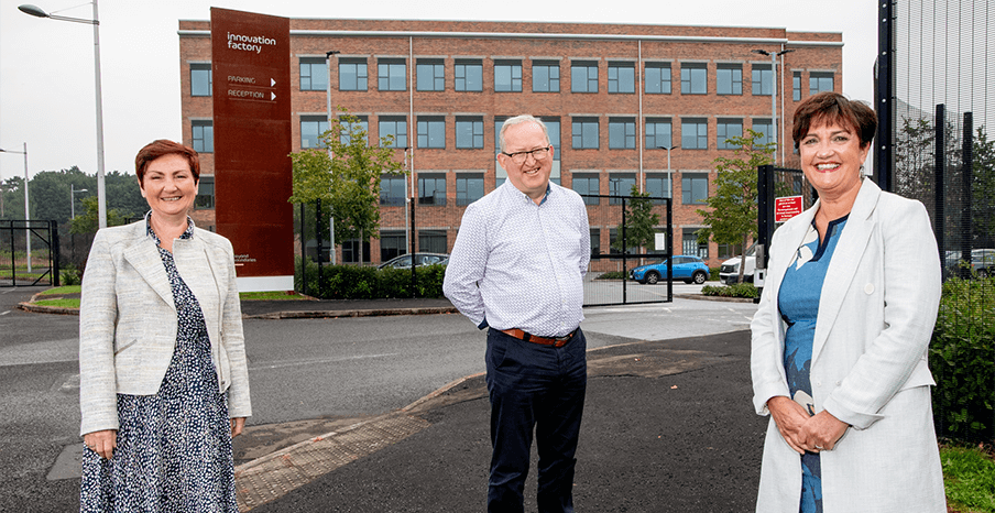 Pictured (L-R) are Anne Marie McGoldrick, Co-Founder, The Electric Storage Company and Eddie McGoldrick, Director and Co-Founder, The Electric Storage Company with Grainne McVeigh, Director of Advanced Manufacturing & Engineering, Invest NI.